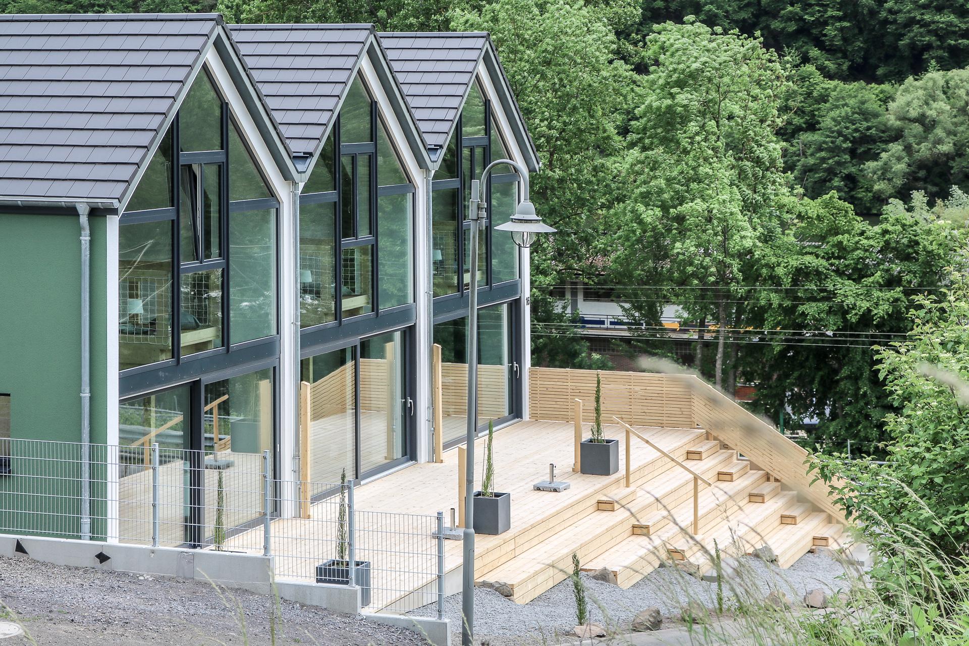 Ferienhaus-Projekt Mosel Chalets Terrasse