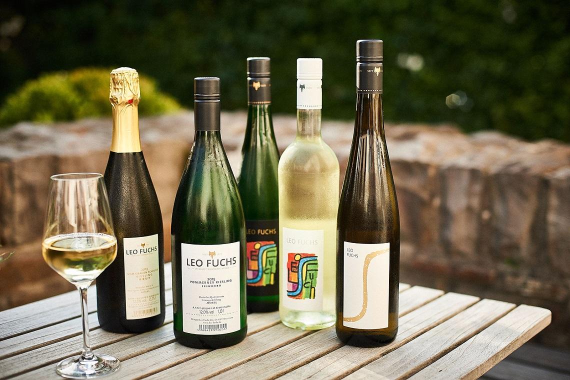 Verschiedene Weine von Leo Fuchs - Partner der Ferienhäuser Mosel-Chalets
